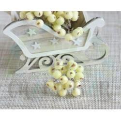 Cream Berries -snowy