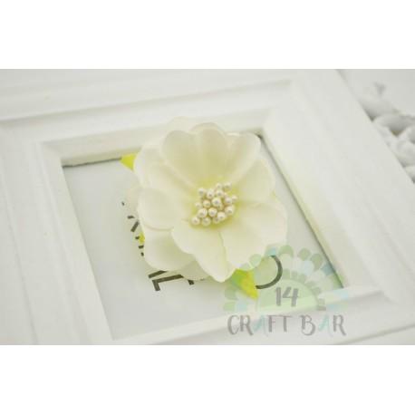 Silk Flower with stamens /IVORY