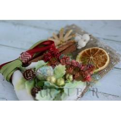 Christmas Kit  with mini flowers